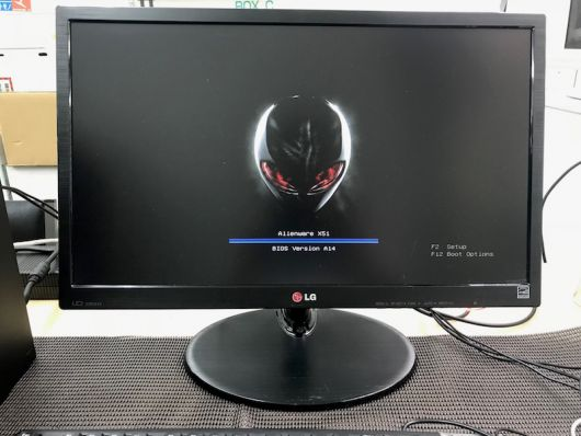 ALIENWARE 電源は入るが画面が真っ暗 修理しました。 - パソコン